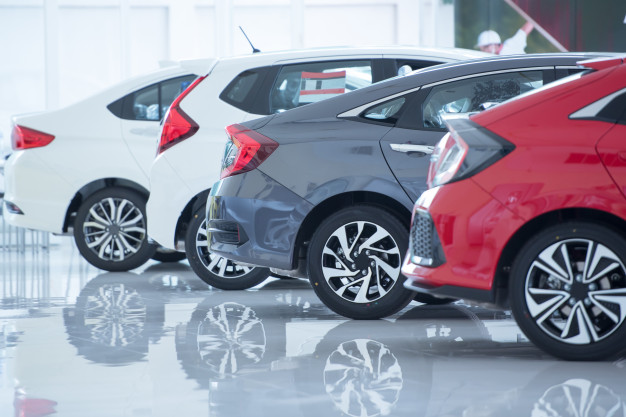 Tips to maintain the showroom shine of your car